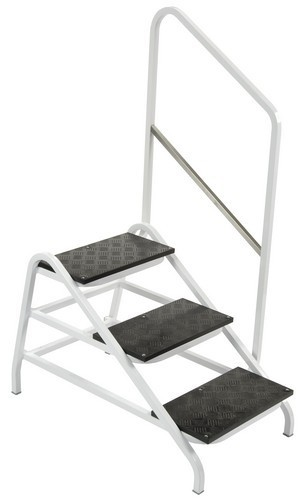 Triple Tier Step with Right Hand Rail - CS030