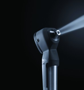 LuxaScope Auris LED Otoscope – Rechargeable – Black